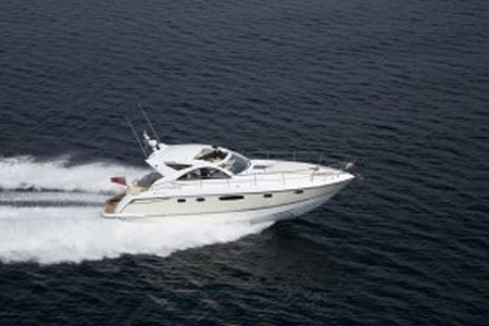 The Fairline Targa 44 GRAN TURISMO was launched in late 2007 to great ...