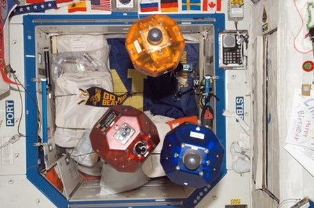 ISS14 Spheres large,0