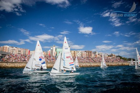 1A1-Packed Crowd (c) Sailing Energy