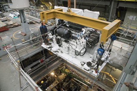 HMS Brocklesby Engine Fit Aug 2016 - 017-lpr
