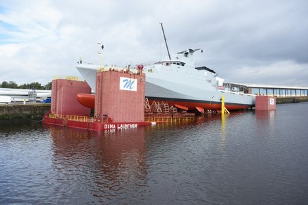 OPV FORTH lowered into the water-lpr