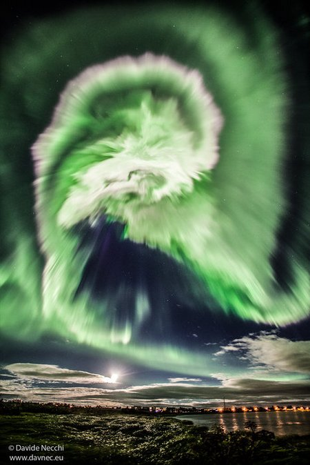 A sinister-looking aurora over Iceland node full image 2